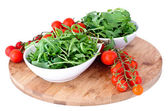 Bowl of fresh green, natural arugula anf cherry tomatoes — Stock Photo
