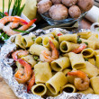 Shrimp and Mushroom Pasta  served in  cartoccio — Stock Photo