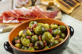 Fried Brussel Sprouts with Ham — Stockfoto