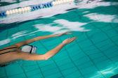 Nadador bajo el agua — Foto de Stock