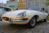 Jaguar e-type, классический спортивный автомобиль — Стоковое фото