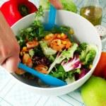 Fresh salad with shrimp — Stock Photo