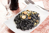 Squid ink pasta — 图库照片