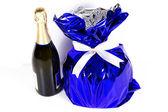 Weihnachtskuchen und champagner — Stockfoto