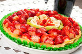 Fresh fruit cake — Stock Photo
