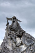 Grim reaper statue — Stock Photo