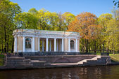 Portico of the Mikhailovsky Park. — Stock Photo