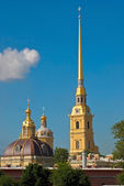 Cathedral bell tower and the dome. — Stock Photo