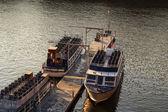 Barcos de passeio ancorada — Foto Stock
