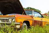 Rusty muscle car — Stock Photo