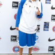 Chris Brown arrives at the E League Celebrities Bridge Basketball and Charity event sponsored by Nike — Stock Photo