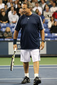 John Lovitz and Jim Courier play a charity match against Gavin Rossdale and Michael Chang — Stock Photo