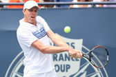 Andy Murray of Great Britain and Sam Querrey of USA (pictured) play the final match at the 2010 Farmers Classic — Stock Photo