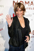 American television host and actress Lisa Rinna arrives at the Nomad Two Worlds Los Angeles gala at 59 Pier Studios West — Stock Photo