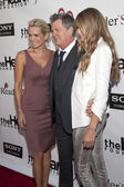 Yolanda Hadid, composer David Foster and Gigi Hadid arrive to The Heart Foundation Gala at Hollywood Palladium — Stock Photo