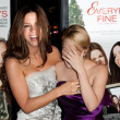 Kate Beckinsale and Drew Barrymore attend film premier — Stock Photo #14586811