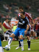 Ramiro Corrales (front) and Justin Braun (back) in action during the Chivas USA vs. San Jose Earthquakes match — Stockfoto