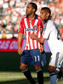 Maykel Galindo (R) and Sean Franklin (L) during the MLS conference semifinal match — Stock Photo
