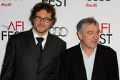 Kirk Jones nd Robert De Niro attend the film premier — Stock Photo