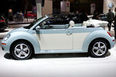 VW Beatle Convertible on display at the Auto Show — Stock Photo