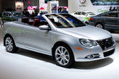 VW EOS Convertible on display at the Auto Show — Stock Photo