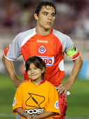 Omar Bravo during the pre game lineup of the game — Stock Photo