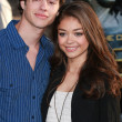 Matt Prokop and Sarah Hyland attend Clash of Titans premiere — Stock Photo #14592621