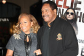 Dave Winfield and wife Tonya Winfield attend The Book of Eli premiere — Stock Photo
