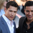 Alex Meraz and Mario Lopez attend The Twilight Saga Eclipse Los Angeles premiere — Stock Photo