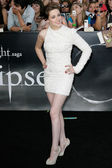 Kristen Stewart attends The Twilight Saga Eclipse Los Angeles premiere — Stock Photo