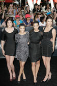 The Kardashian's attend The Twilight Saga Eclipse Los Angeles premiere — Stock Photo