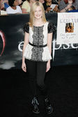 Elle Fanning attends The Twilight Saga Eclipse Los Angeles premiere — Stock Photo