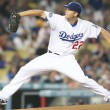 Clayton Kershaw pitches during game — Stock Photo #14900985