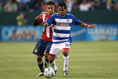 David Ferreira and Osael Romero fight for the ball during the game — ストック写真