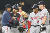 Most of the Nationals infield have a quick meeting at the mound during the game — Foto Stock