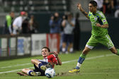 MIGUEL MONTANO and JUSTIN BRAUN fight for the ball during the game — Stock Photo
