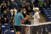 Tobias Kamkeand James Blake shake hands at the end of the match — Stockfoto