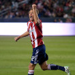 Jimmy Conrad celebrates after a Chivas goal during the game — Stock Photo