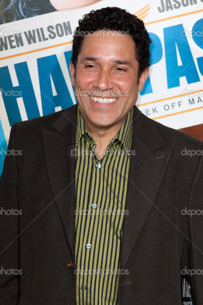 HOLLYWOOD, CA. - FEB 23: Oscar Nunez arrives at the world premiere of Hall Pass on Feb 23, 2011 at the Cinerama Dome in Hollywood. — Stock Photo #15462401