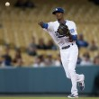 Dee Gordon throws to first during the game — Stock Photo #15525797