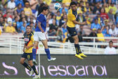 Alejandro Vela and Club America Enrique Esqueda go up for a header during the game — Stock Photo
