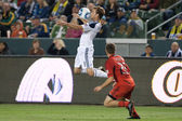 Mike Magee controls the ball during the game — Stock Photo