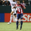 DEJAN JAKOVIC and GIANCARLO MALDONADO  fight for a header during the game — Foto de Stock
