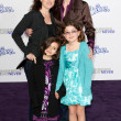 JANE LYNCH, DR. LARA EMBRY, and children arrive at the Paramount Pictures Justin Bieber: Never Say Never premiere — Stock Photo
