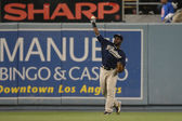 TONY GWYNN throws from the outfield during the game — Stock Photo
