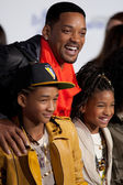 WILL SMITH, JADEN SMITH, and WILLOW SMITH arrive at the Paramount Pictures Justin Bieber: Never Say Never premiere — Stock Photo