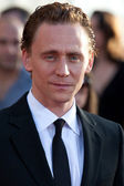 Tom Hiddleston arrives at the Los Angeles premiere — Stock Photo