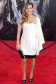 Elsa Pataky arrives at the Los Angeles premiere — Stock Photo