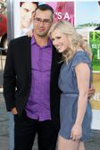 Natasha Bedingfield arrives with Matthew Robinson at the Los Angeles premiere — Stock Photo