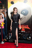 Angelina Jolie arrives at the Los Angeles premiere of Kung Fu Panda 2 — Stock Photo